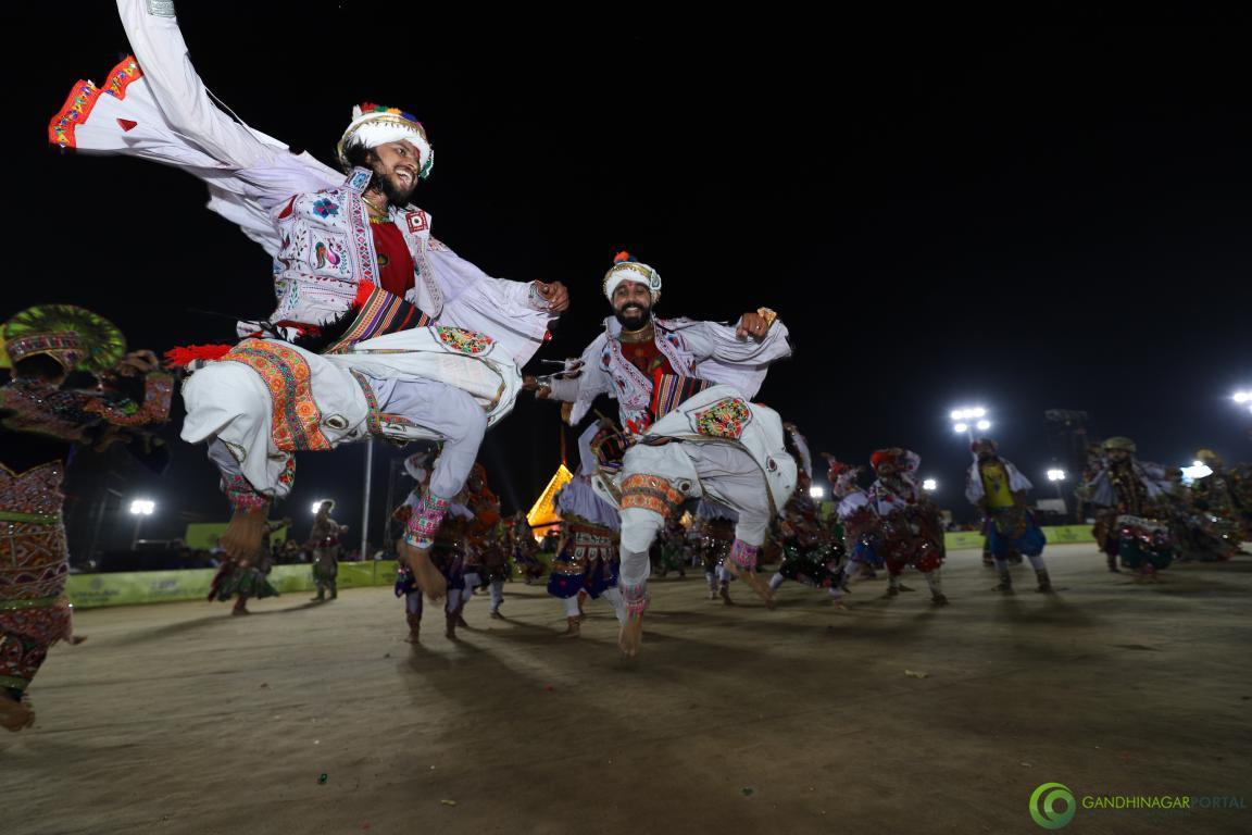 Live-Garba-Gandhinagar-Cultural-Forum-2019-Mega-Final-119