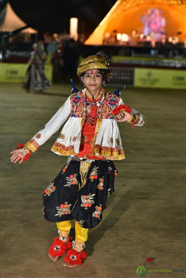 Live-Garba-Gandhinagar-Cultural-Forum-2019-Mega-Final-145