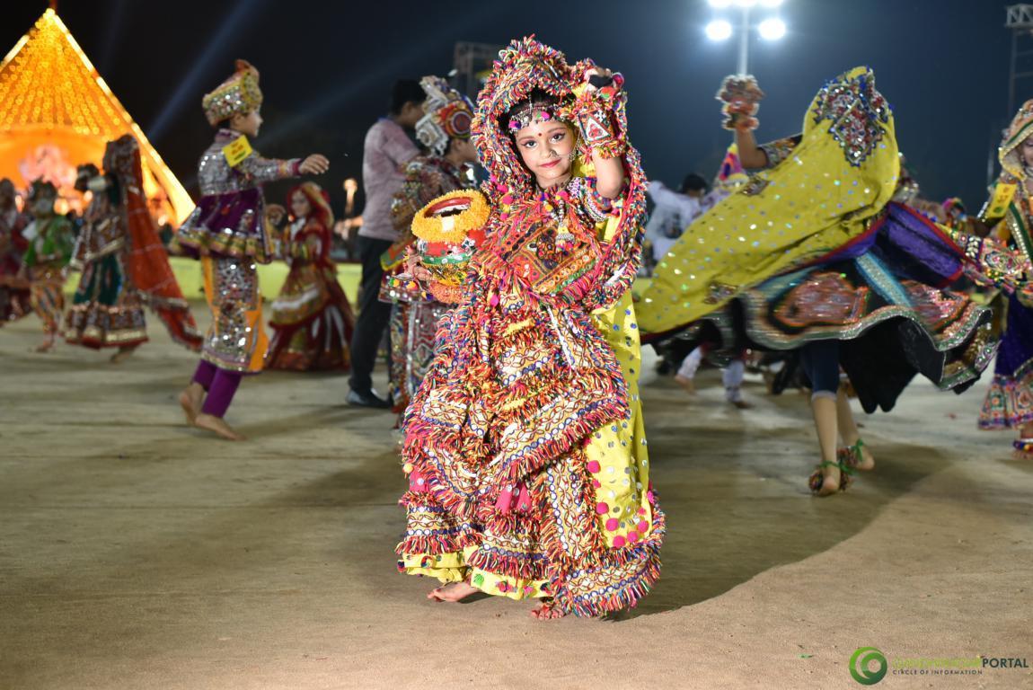 Live-Garba-Gandhinagar-Cultural-Forum-2019-Mega-Final-157