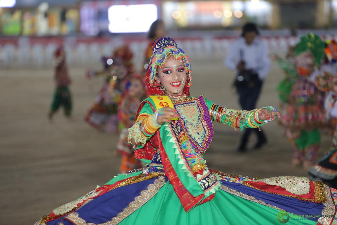Live-Garba-Gandhinagar-Cultural-Forum-2019-Mega-Final-25