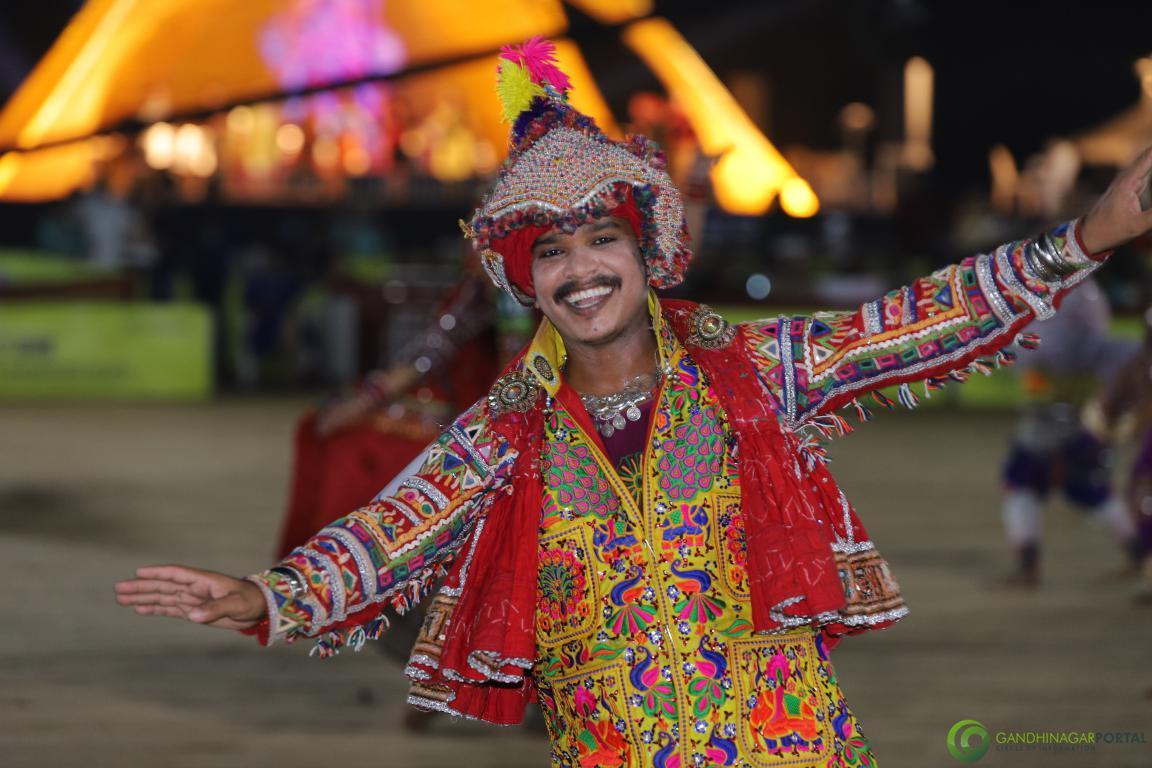 Live-Garba-Gandhinagar-Cultural-Forum-2019-Mega-Final-70