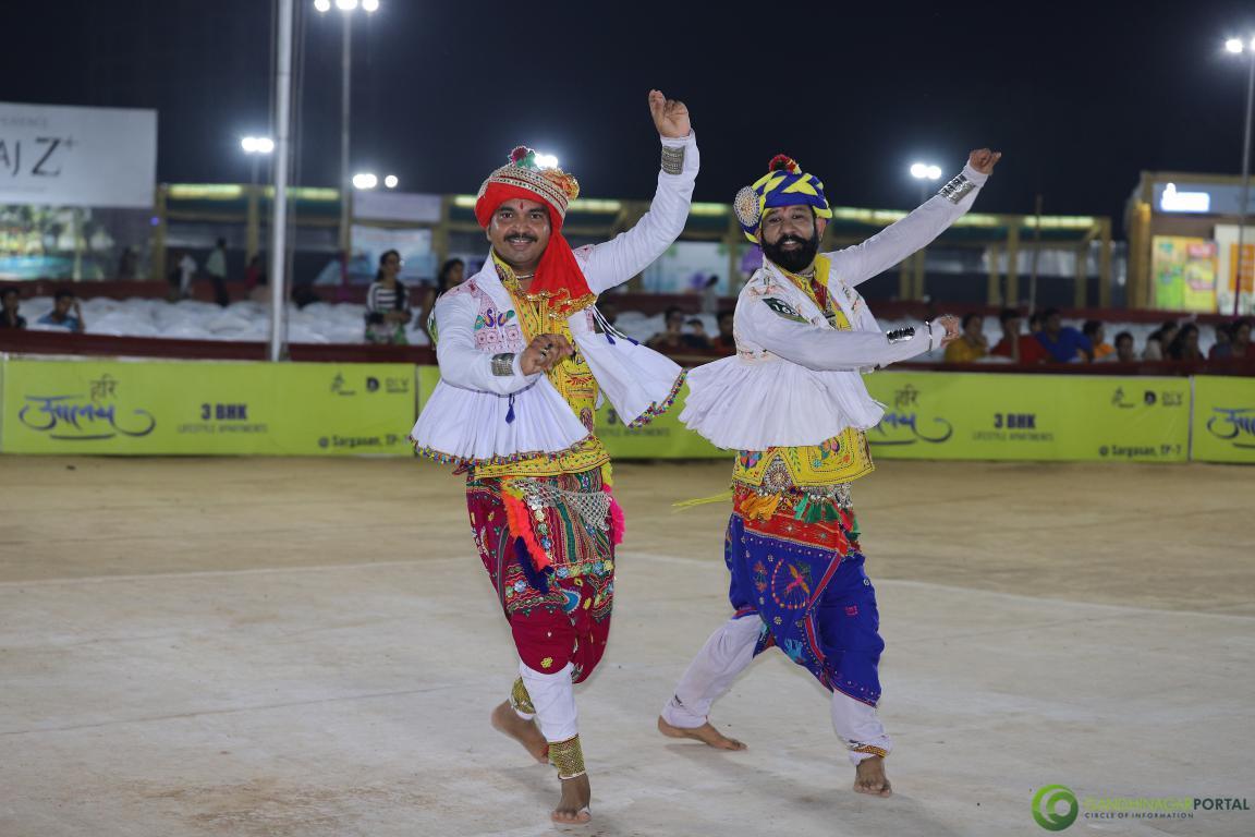 Live-Garba-Gandhinagar-Cultural-Forum-2019-Mega-Final-76